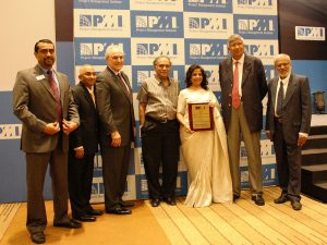 Ms. Hina Shah receives the PMI Award for Contribution to the Community